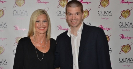 Chris Yandek, Chris Yandek Olivia-Newton John, Entertainment News 2015, Flamingo Las Vegas Hotel and Casino Shows 2015, Las Vegas 2015, Las Vegas Entertainment Scene 2015, Las Vegas Entertainment Shows 2015, Las Vegas News 2015, Las Vegas Strip Shows 2015, Music 2015, News 2015, Olivia Newton-John Flamingo Show, Olivia Newton-John Las Vegas Show 2015, Olivia Newton-John Las Vegas Show Review