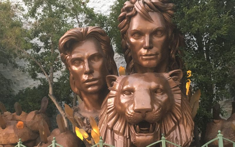 Siegfried and Roy Las Vegas Statue, Siegfried and Roy Statue Las Vegas Strip, Siegfried and Roy Monument Las Vegas Strip